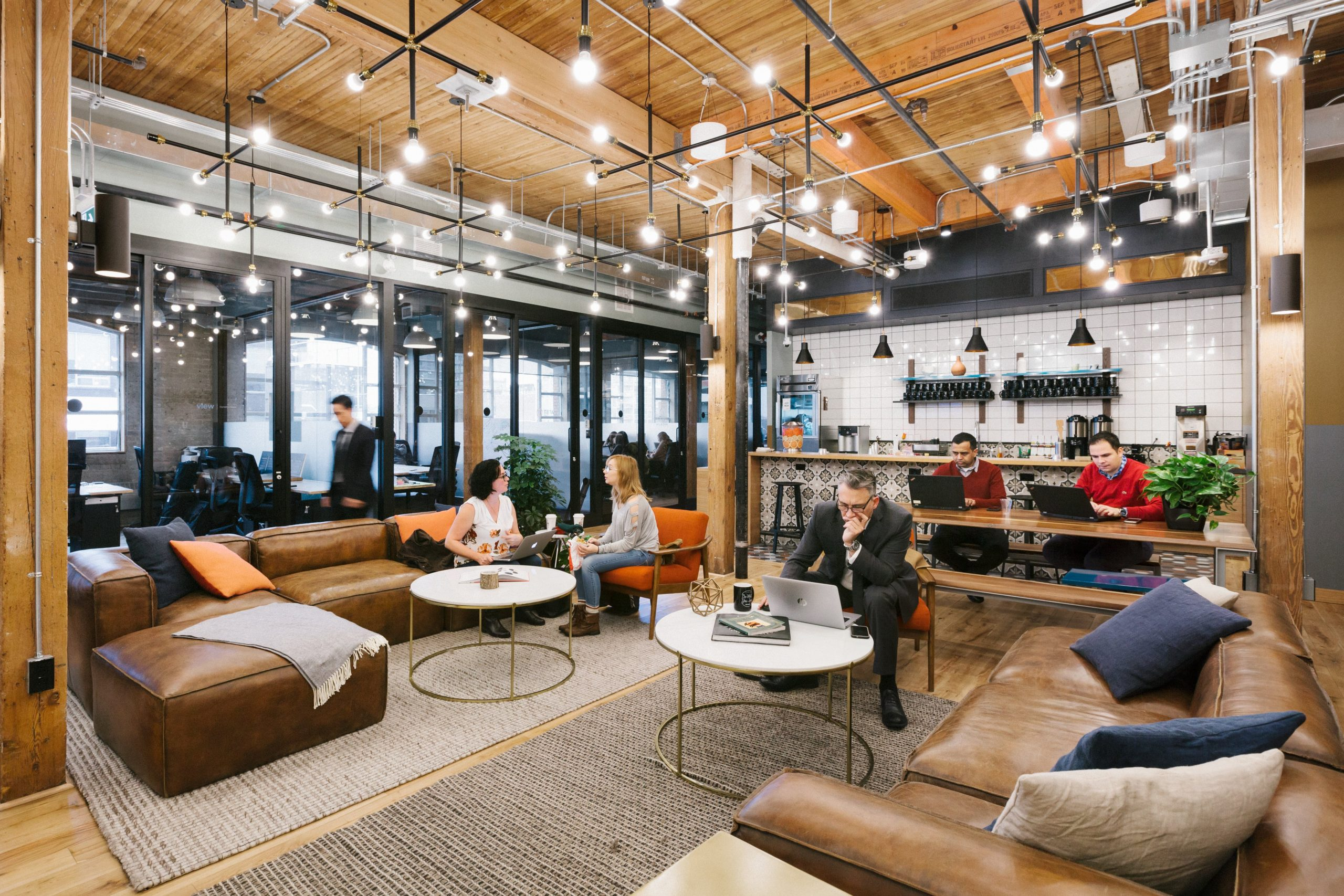 Read more about the article How Coworking Spaces Promote Employees' Professional Identities