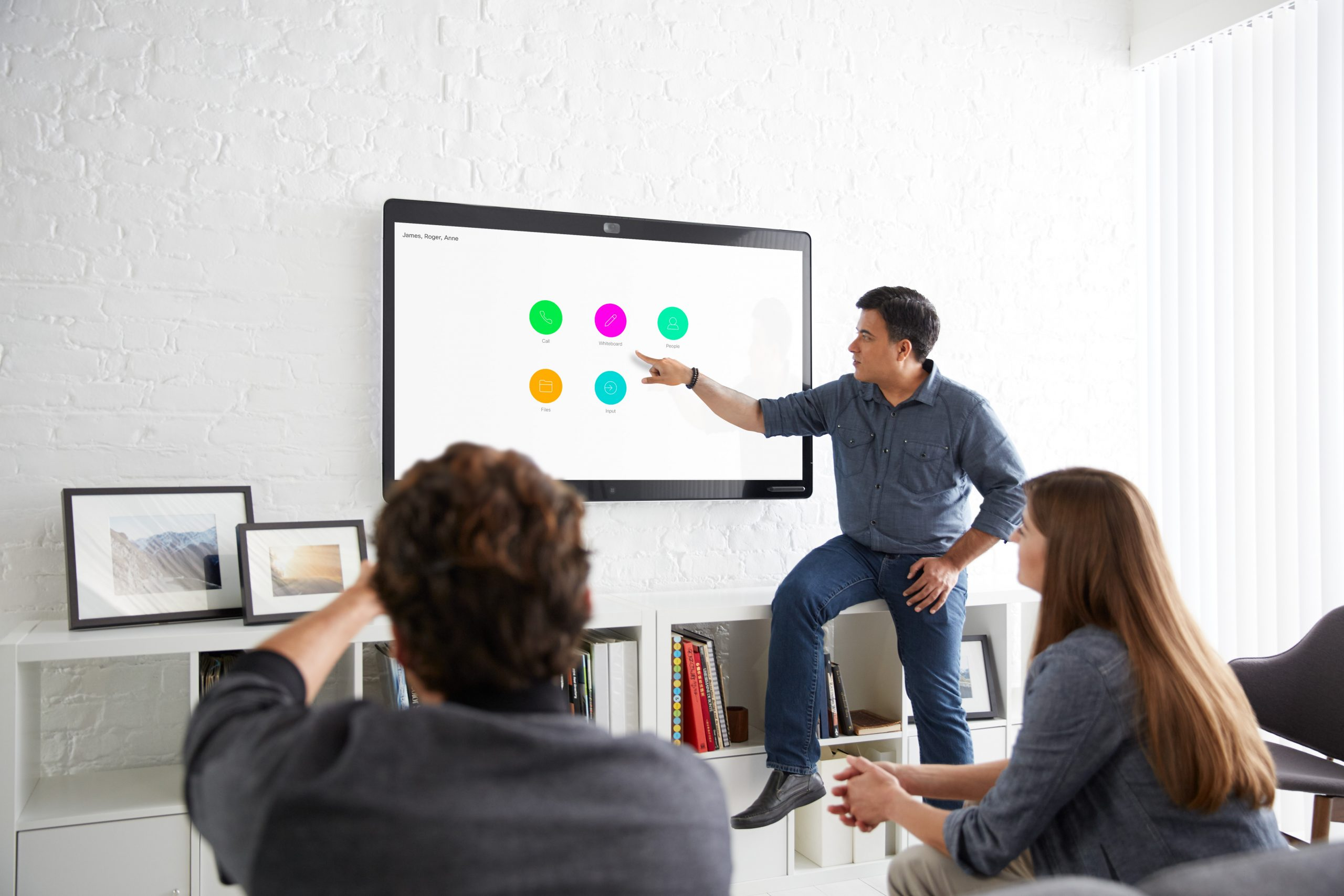 Read more about the article The Innovative Webex Board Delivers Your Meeting to the 21st Century