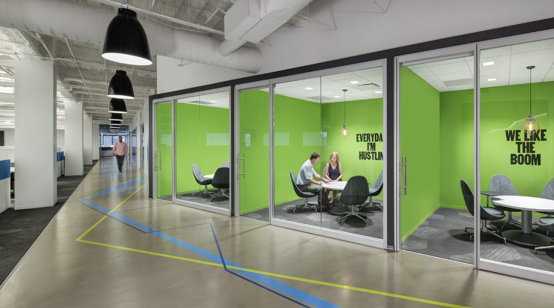 Read more about the article Why Huddle Rooms Are On The Rise