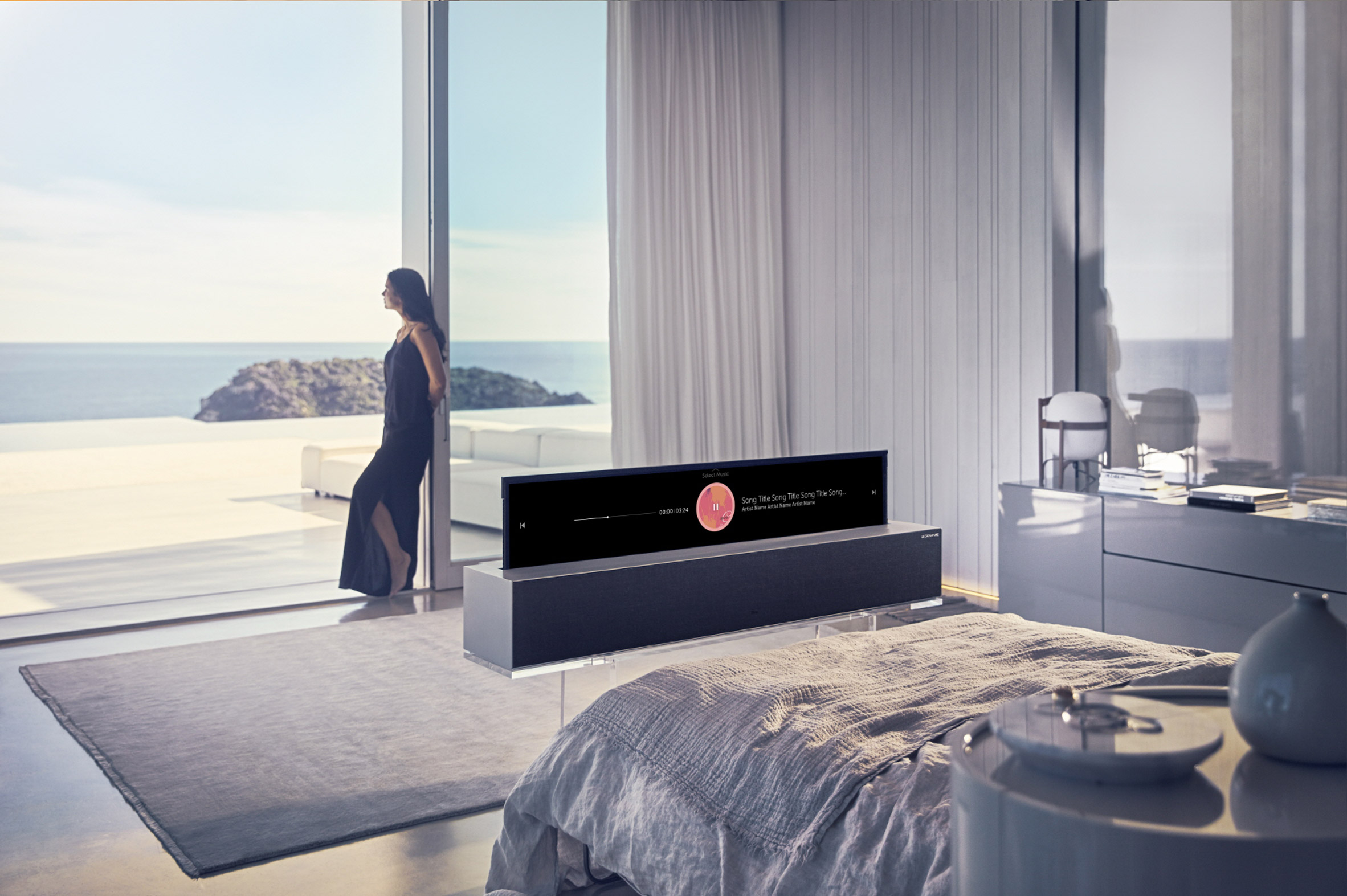 Read more about the article The Hottest Product at the 2019 CES: LG's Rollable OLED TV R